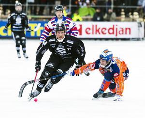 Daniel Mossberg var SAIK:s bästa spelare i 5–5-matchen mot Bollnäs. Tre mål och ett pass blev facit för veteranen när han hade en mer offensiv roll.
