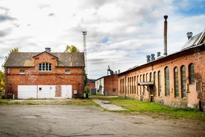 Om kommunen säljer fastigheten Bro 4:4 tänker Bollnäs Gif Bandy bygga en bandyhall där .