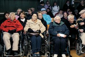 Det var även många som kom i rullstol till seniormässan i Forsparken.