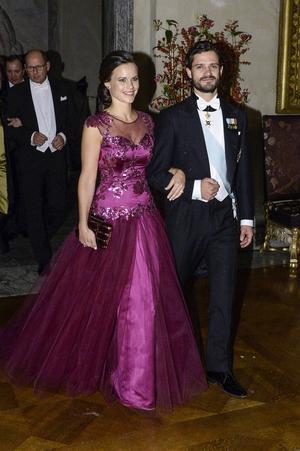 Sofia Hellqvist, som hon hette då, på Nobelfesten iklädd en annan klänning som Matilda Olsson sytt för Ida Sjöstedt.