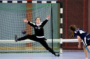 Martina Thörn tror mycket på flera av VästeråsIrstas målvakter, däribland Elionor Bornström (bilden, som är från 2014).
