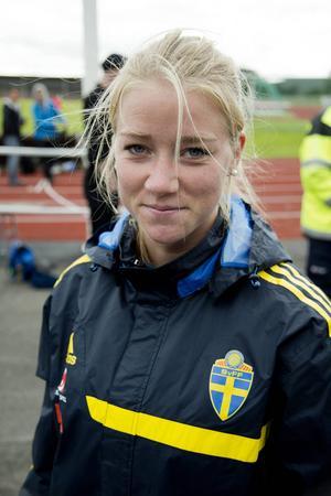 Jenny Hjolman, född i Viksjöfors, Hälsingland, spelar i Umeå. 25-åringen har tidigare spelat för Edsbyn och Sundsvall.
