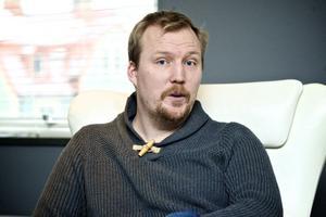 Andreas Johansson Österberg hävdar att det finns betydligt fler befintliga övervakningskameror som borde ha tillstånd i länet, än vad fallet är i dag.
