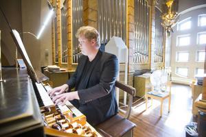 Organisten Joakim Andersson framförde fransk orgelmusik från 1800-talet.