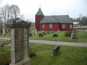 Annika Skoglund Strååt ger dubbla konserter i Singö kyrka tillsammans med Monica och Carl-Axel Dominique.