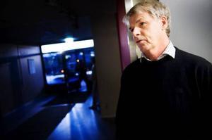 Kalle Björklund vill inte ta strid med Jamtetten, men menar att ÖFK behöver fler och längre träningspass i ÖP-hallen.