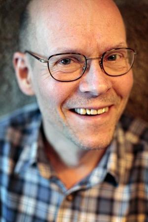 Kåre Persson är i dag läkare i Östersund. Om sina översättningar av Lucky Luke säger han: