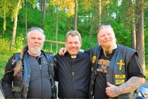 MC-kompisar. Lasse Lindberg, Mikael Bedrup och Pontus J Back på träff med kristna mc-klubben Ambassadors for Jesus Christ motorcycle ministry.