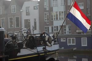 Lilla Leiden omges av två smala armar på den mäktiga floden Rhen.