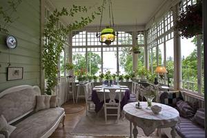 Villa Solbackens vackra glasveranda.