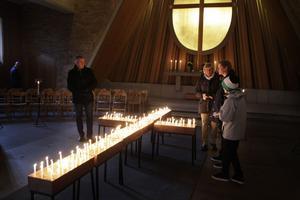 Skribenten saknade ett öppet kapell vid Östra kyrkogården. Bilden är från Hovdestalunds kapell.