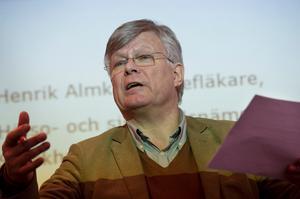 Henrik Almkvist är chefsläkare vid Hälso- och sjukvårdsnämndens förvaltning.