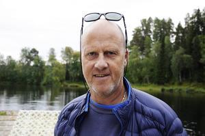 Fredrik Andersson är nöjd med sina adepters träning vid vattenhoppet.