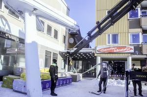 Svea bio får nytt golv och nya biosäten i salongen. Färre platser men bekvämare för besökarna är målet.