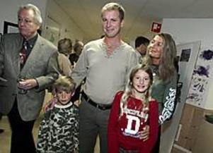Familjen Bergqvist är förhållandevis nya i området. Barnen Oskar och Emma trivs, liksom pappa Magnus och mamma Susanne. FOTO: NICK BLACKMON