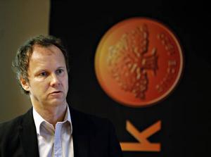 LJUSNAR SNART? Även om färre anställer ny personal och omsättningen är den lägsta på 15 år tror Thomas Wanke, Företagarna, att kurvan snart vänder.FRAMÅT! Östen Petterson, marknadsansvarig på Swedbank, tycker att det är dags att se framåt och vågar hoppas på en ljusning 2010–2011.