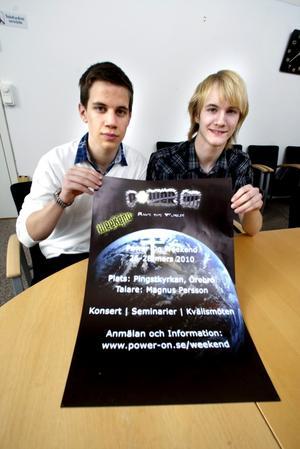 Marcus Rossheim och Marcus Persson på Risbergska skolan lägger mycket kraft på projektarbetet Power on weekend  i mars.