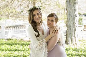 Vuxna saker – som bröllop – tränger sig alltmer in i