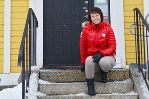 Pia Vallström jobbar på Svegshus som har kontor i den gamla gula trävillan mitt i Sveg, som en gång i tiden inhyste apotek.