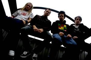 Nu jävlar! Hofors-bandet Itchy Daze har fått skivkontrakt med Universal och tänker erövra världen.