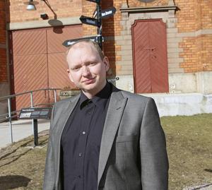 Sverigedemokraternas oppositionsråd Daniel Persson tror inte att en Svealandsregion kommer att kunna åstadkomma det som den är tänkt att göra.