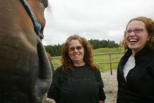 Anna Karström, Annika Holmberg och hästen Love on Earth.