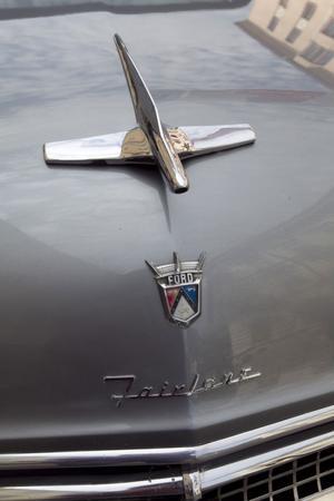 Detalj på en Ford Crown Victoria från 1955.