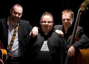 Trion BÄCKMAN kommer spela i Missionskyrkan den 18 mars.