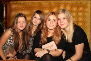 Silk. Joanna, Malin, Rebecka och Erika