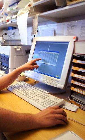 Datajournalsystemet Systeam Cross har tidigare varit ute i blåsväder. Både användarna och landstingets revisorer har haft synpunkter på hur datajournalen fungerar och vad den har kostat.