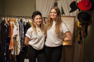 På miljökvällen kunde man handla second hand-kläder.