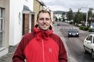Victor Egerbo från Jönköping passerade under helgen Edsbyn på sin resa på cykel mot Kebnekaise.