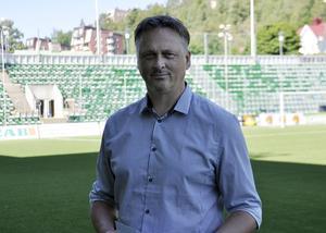 Sportchef Urban Hagblom tycker att det har gjort mycket för fotbollen att det är två norrländska lag i allsvenskan.