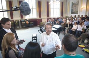 Kjell Lönnå berättade också lite om Sundsvall för de amerikanska gästerna. Programmen sänds i höst.