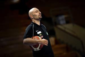 Panagiotis Nikolaidis, tränare i Eco Örebro.
