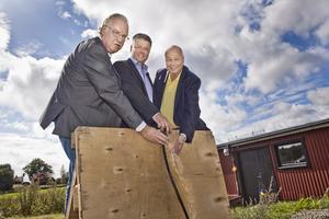 Olle Jansson (S), Kjell Jansson (M) och Lars-Erik Salminen, styrelseordförande för Norrvatten.