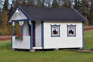 På den Holmbergska runt 1 000 hektar stora fastigheten finns inalles 25 hus av olika slag utspridda.– Hundkojan och lekstugan är inräknade.
