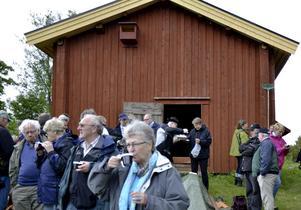 Fikapaus. Under helgen har Finnsam haft konferens i Hällefors. Rian i Sången var ett av besöksmålen för de 50-talet deltagarna.