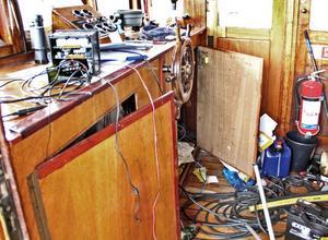 Styrhytten plundrades på gps, dator och kassaskåp.
