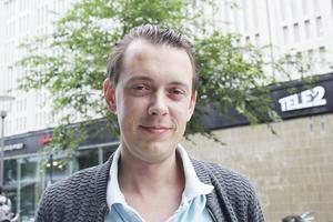 Oppositionsrådet Jesper Brandberg (L) lyfter nu frågan om Tidö slotts framtid i kommunstyrelsen. .