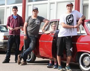Jonathan Edlund, Joakim Tömek, Nicolaj Anttonen och Erik Jonsson visade goda kunskaper i motorbranschens slutprov.