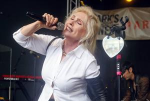 Debbie Harry ska hylla David Bowie. Arkivbild.   Foto: Jack Plunkett/AP/TT