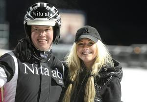 Robert Skoglund och Lina Tallberger har satsar allt de har på travverksamheten.