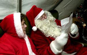 Grannen ställer gärna upp som jultomte, om frågan kommer, visar en undersökning.