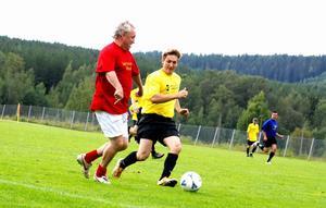 Konditionen är inte som förr hos Benno Magnusson men tekniken har kvar. Foto:Johan Källs
