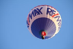 Luftballongen som sedan landande på Gideonsberg passerade Bäckby strax innan.
