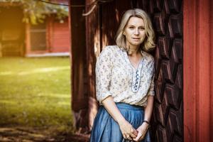 Carina Sundberg från Borlänge satsar helhjärtat på sin nya karriär som illustratör och sociala medier gör världen mindre.