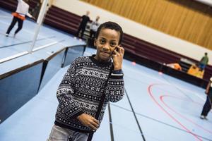 Förutom pingis erbjuds barnen att prova på fotboll, bandy, dans, gymnastik och badminton.