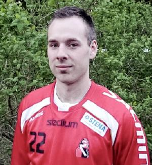 Hansson i nya matchtröjan.