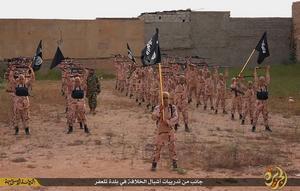 Barnsoldater tränar i en propagandavideo från Islamiska Staten. En del i terrorgruppens propagandakrigföring som även sker på svenskspråkiga Facebooksidor.